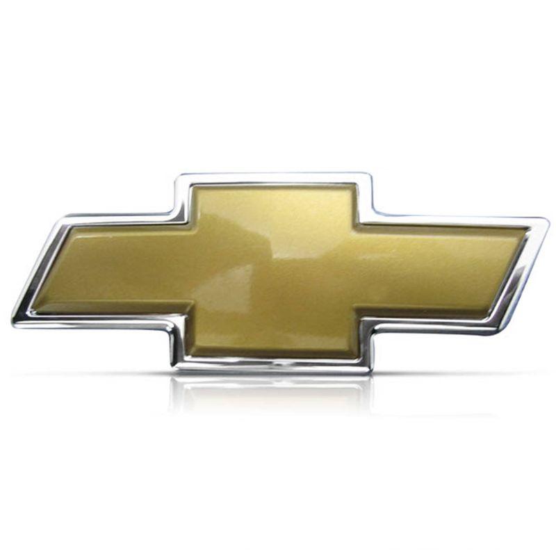 Emblema Chevrolet Dourado Traseiro 10,7 x 4,7 cm