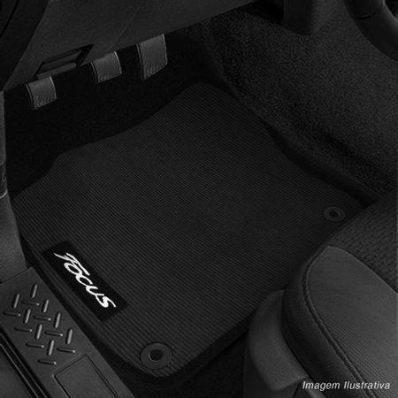 Jogo-de-Tapete-PVC-Bordado-em-Carpete-Focus-16-a-18-Base-Antiderrapante-Impermeavel-4-Pecas-connectparts--1-