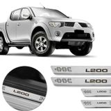 Kit-Soleira-De-Aco-Inox-Mitsubishi-L200-1995-A-2019-Curvada-Em-Aco-Inox-Com-Grafia-Marrom-connectparts---1-