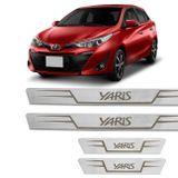 Kit-Soleira-De-Aco-Inox-Toyota-Yaris-2018-A-2019-Reta-Em-Aco-Inox-Com-Grafia-Marrom-connectparts---1-