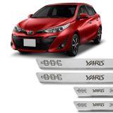 Kit-Soleira-De-Aco-Inox-Toyota-Yaris-2018-A-2019-Curvada-Em-Aco-Inox-Com-Grafia-Marrom-connectparts---1-